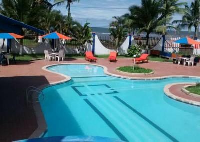 piscina hotel bocana118